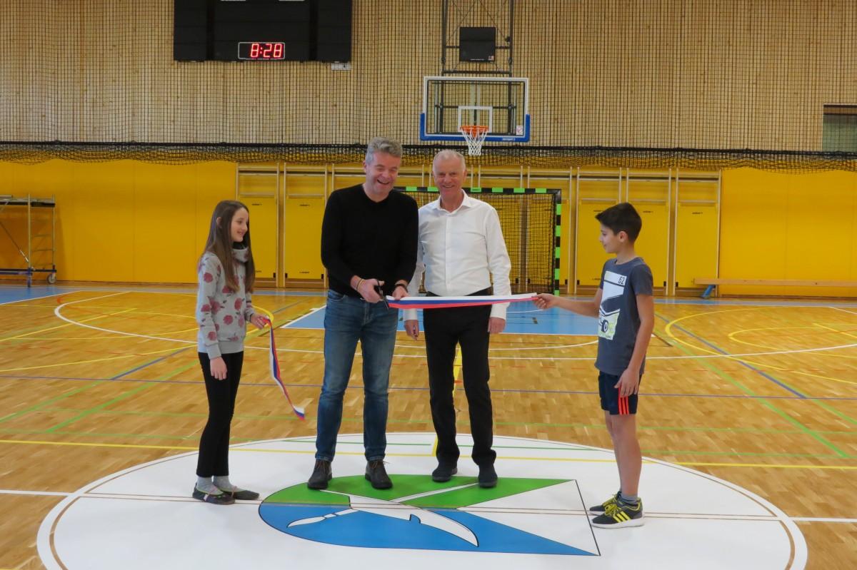 Športna dvorana v Gorenji vasi predana uporabi za šolsko športno vzgojo