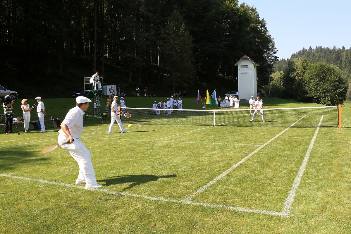 Tavčarjev teniški turnir dvojic
