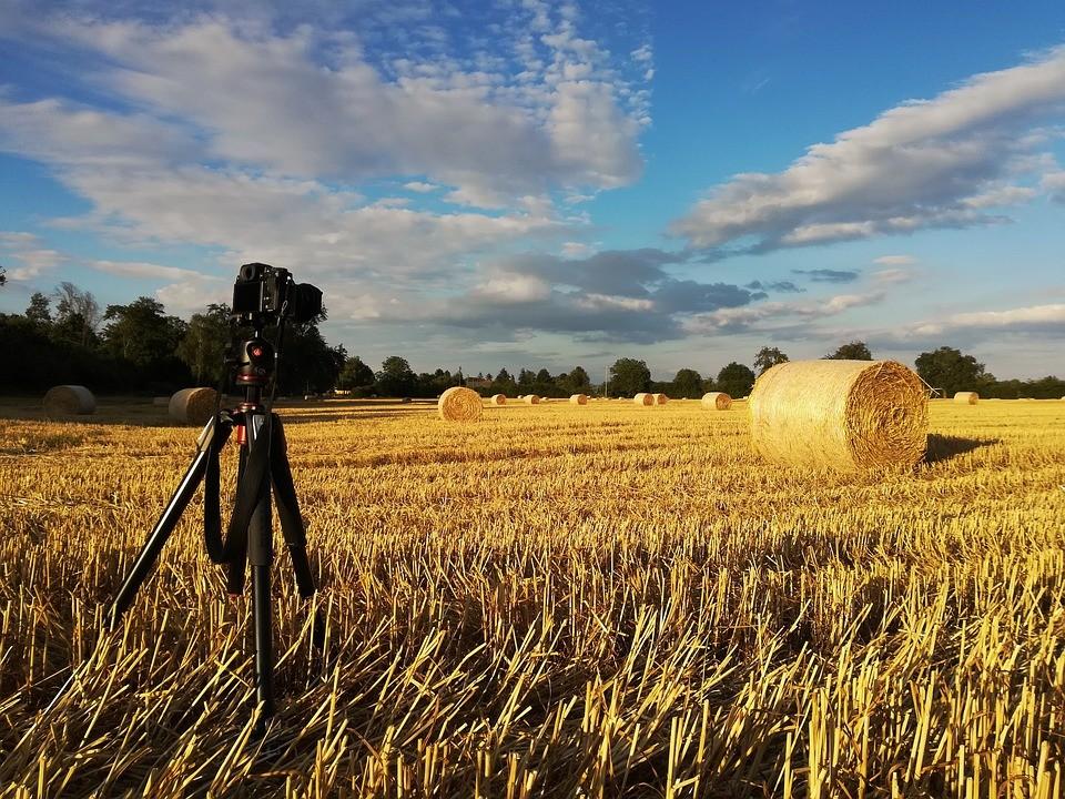 Nagradni fotonatečaj z naslovom »Poljanska dolina«