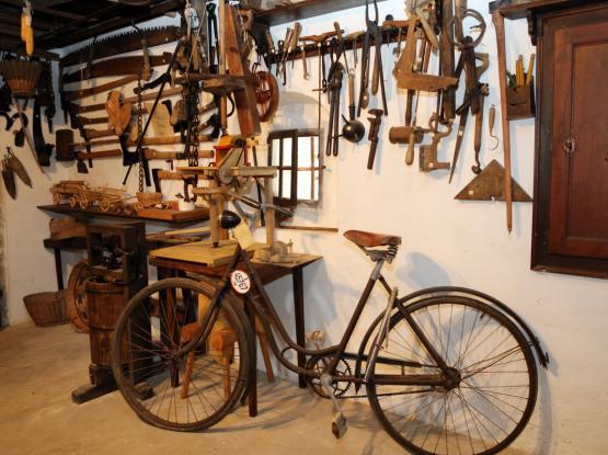 Kašča z muzejsko zbirko
